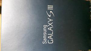 Samsung Galaxy S3 Unlocked Box and Accessories included mint