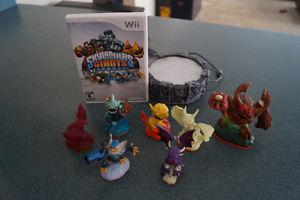 Skylanders Giants with portal and 7 characters