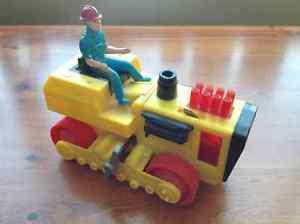 Vintage Wind-Up DURHAM INDUSTRIES Tractor Crawler