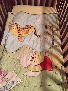 Wanted: Winnie the Pooh. Crib quilt