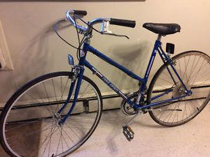 Women's Free Spirit 10 Speed Road Bike, (27 Inch tires)