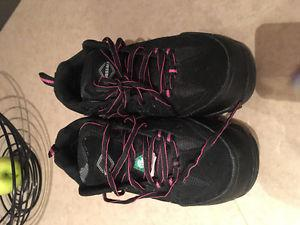 Women Steel Toe Boots (Size 7)