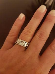 1.5 cts Diamond engagement ring and Diamond enhancer piece
