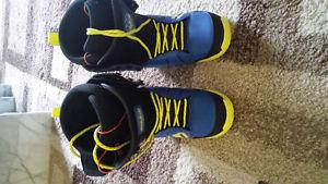 Size 8.5 Men's 32 snowboard boots