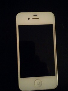 White iPhone 4s 16gb for sale