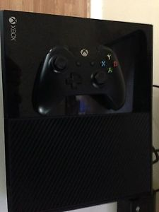 Xbox one 2 games 1 controller