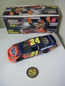 #24 JEFF GORDON DUPONT / 75TH WIN RACED WIN 1:24 NASCAR