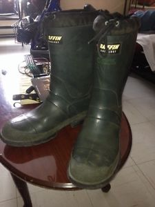 Baffin technology steel toe rubber boots