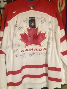 Canada Womens team signed jersey  Olympics