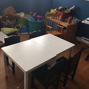 Kids Table and Chairs Sets
