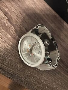 MENS DIESEL WATCH GREAT CONDITION **NEW BATTERY**