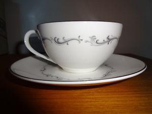 Royal Doulton Tea Cup/Saucers