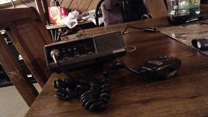 UHF radio for truck with included aerial