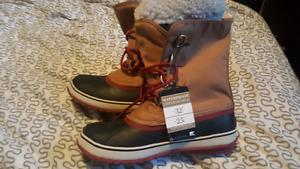 Brand New Womens Sorel Boots size 10