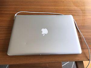15inch MacBook Pro 2.4ghz, 8gb ram, 500gb HD