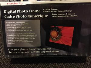"""Digital Picture Frame 7"""". Brand new"""
