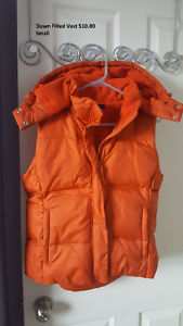 Down Filled Vest size small never worn!