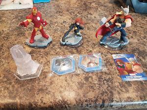 Marvel Disney infinity figures and playset