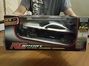 New 1:10 Scale Radio Control  Ford Mustang GT-Silver