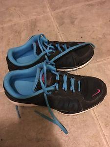 Nike training shoes like new size 6