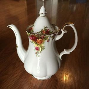 Royal Albert Old Country Roses Coffee Pot & Shakers