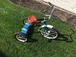 VINTAGE 60 YEAR OLD TRICYCLE IN WORKING ORDER