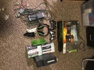 Xbox 360 Elite 120GB, 2 controllers, 21 games
