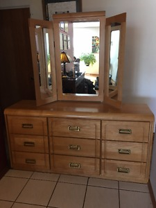 solid wood 9 drawer dresser with mirror