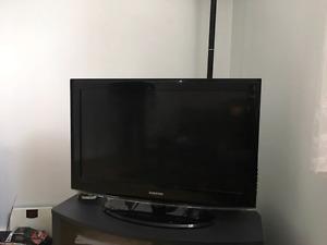 32'' Samsung flat screen TV