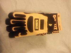Brand new size XL dewalt work gloves! $20 takes them! Great