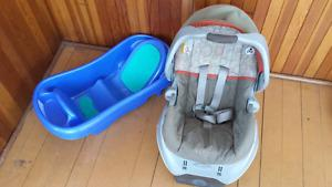 Graco Car seat with base + FREE baby bathtub