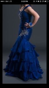 Selling Size 4 Royal Blue grad dress