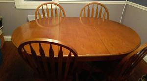 kitchen table with chairs- no delivery