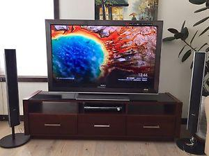55'' Sony HD TV with Stand/Entertainment Unit and Free
