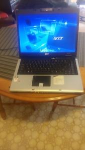 Acer laptop. Windows 7