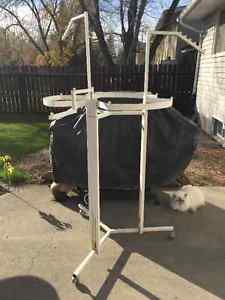 OUTDOOR WHITE METAL PLANT STAND