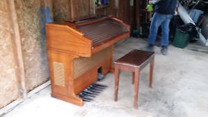 Vintage Galanti F40 Organ.