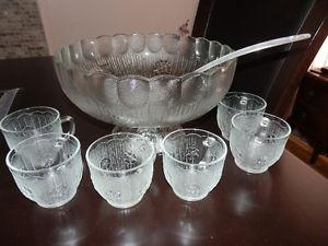FOOTED PUNCH BOWL SET