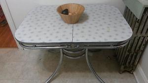 Retro Chrome Kitchen Table!