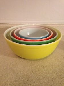 Set Of 4 Vintage Primary Colours PYREX Mixing Bowls. $125