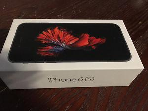 Brand New iphone 6s 32GB Space Grey, Asking $550