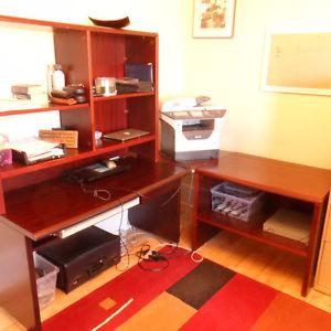Desk with Shelving,wall unit w. lockable storage drawers &