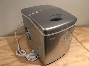 Ice maker for sale $80