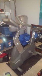 Life Fitness - 95Ci Upright Bike