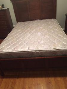 Queen Mattress and box spring for sell