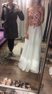 Size 2 lucci lu grad dress