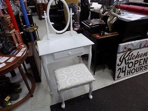 Vanity Set White NEW $  TAX INCLUDED Call