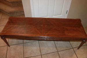 Vintage Walnut coffee table Excellent Condition LikeNew