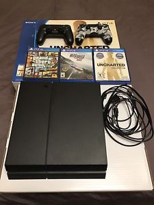 Playstation4 with two controls and three games