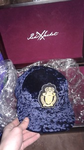 copper town velvet NYC hat limit edition (new) obo